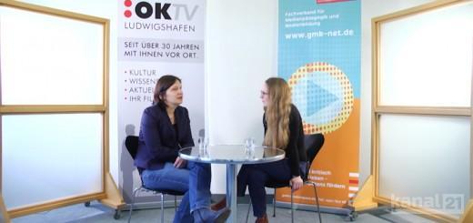 Rotes Sofa - Prof. Dr. Friedericke Siller